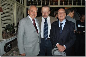 A. RICARDO CRAVO ALBIN ENTRE OS MINISTROS WALDIR PIRES E WILSON FADUL