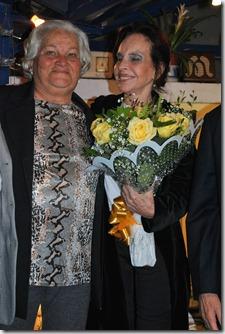 A. VIVIAN MARIA PRESTES E MARIA THEREZA GOULART