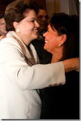A presidente Dilma Rousseff e Lúcia Hinz, se encontraram durante evento em Bruxelas.  foto Miguel Lira
