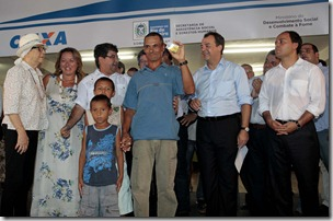 24/01/2012; Rio de Janeiro; Governador Sérgio Cabral no Lançamento do Programa Renda Melhor e Renda Melhor Jovem em Silva Jardim; Fotos: Marino Azevedo