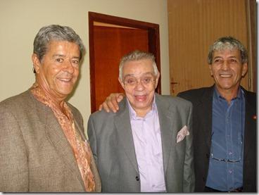 Manhoso, Chico Anysio e Jorge Factorine,durante show de Chico em Maricá