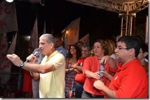 Deputado Federal Chico D'Angelo prestigiando o ultimo dia de comício de Quaquá em Inoã
