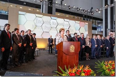 Presidenta Dilma Rousseff durante cerimônia de abertura do Encontro Nacional com os novos Prefeitos e Prefeitas. Brasília-DF. Foto 02  Roberto Stuckert Filho PR