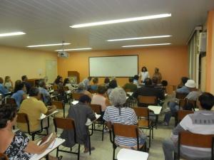 Maria Regina Moura, representante do Ponto de Cultura Canteiros de Obras, durante sua fala no Fórum Permanente de Cultura de Maricá
