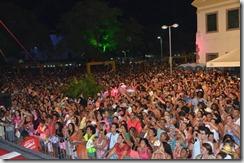 Público cantou e dançou com Diogo Nogueira. foto Paulo Polônio