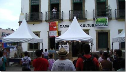 Dalbert Lopes encantou os presentes ao som de seu violino no Dia Nacional da Poesia em Maricá