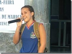 Poesia e pessoas felizes no Dia da Poesia em Maricá
