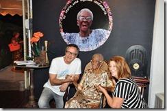 Paulo Roberto Direito e Ângela Nogueira dentro da exposição