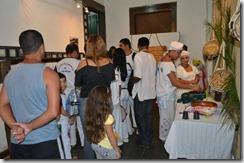 Convidados aguardando para entrar na Sala Darcy Ribeiro, onde aconteceram as projeções dos vídeos.