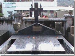 TUMULO cemiterio POCOS DE CALDAS