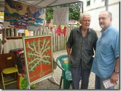 Mestre da arte da Tapeçaria do Espraiado Elidio Garcia dos Santos, expondo suas obras na Feira Cultural Maricá Mostra Cultura em 2011. (foto Rosely Pellegrino).   (5)