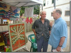 Mestre da arte da Tapeçaria do Espraiado Elidio Garcia dos Santos, expondo suas obras na Feira Cultural Maricá Mostra Cultura em 2011. (foto Rosely Pellegrino).   (7)