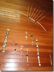 artesanato indigena pau de chuva e zarabatana