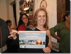 Historiadora Maria Penha orgulhosa com o resultado de um trabalho bem feito.