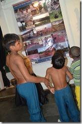 Os pequenos indios da Aldeia da Mata Bonita gostaram de se ver retratados na exposição