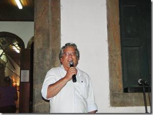 Secretário Municipal de Cultura de Maricá, Sérgio Mesquita durante a abertura da Exposição em Homenagem a Cultura Indígena. Um resgate da raiz da história de Maricá.