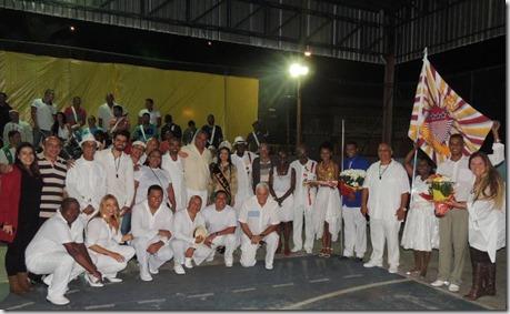 Diretoria do G.R.E.S União de Maricá com amigos e representantes