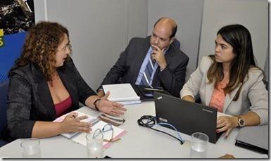 Deputada Estadual Rosangela em reunião com representantes da CEF
