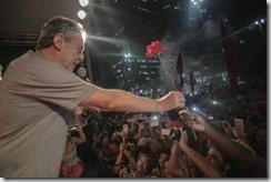 Chico Buarque no ato contra o golpe do Largo da Carioca