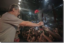 Chico Buarque no ato contra o golpe do Largo da Carioca