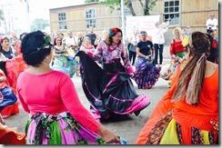 Deputada Zeidan participa da dança cigana da Casa da Melhor Idade, no Dia de Combate a Violência contra o Idoso em Maricá